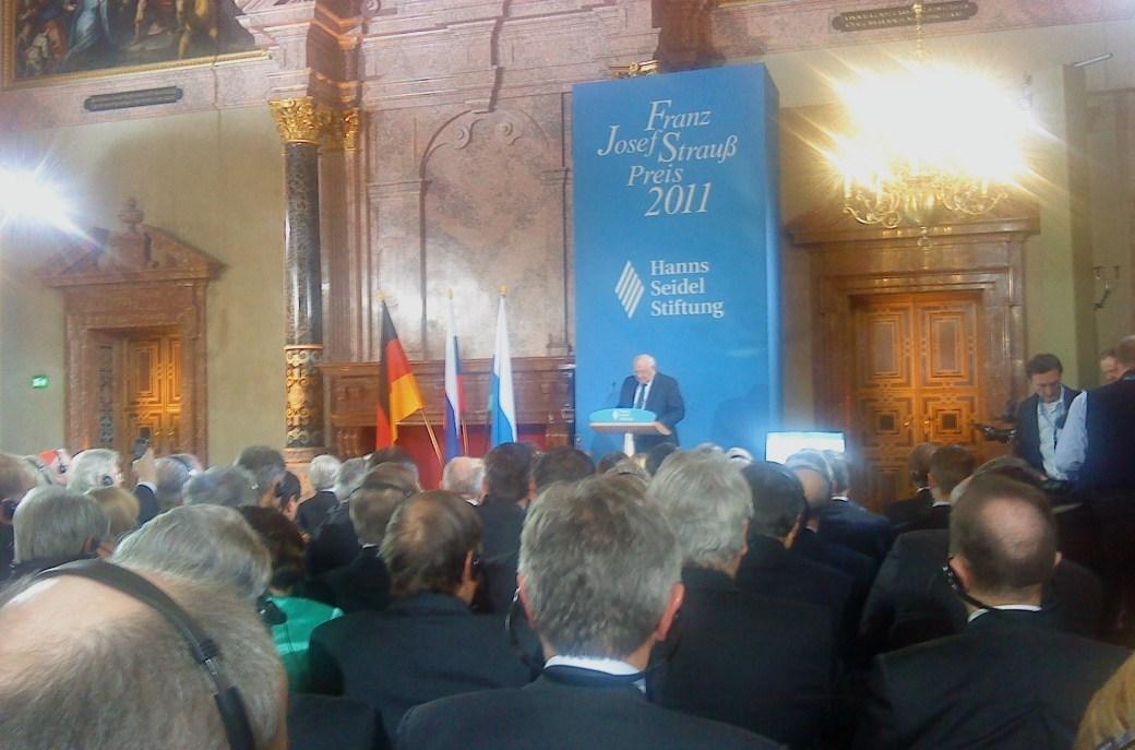 Gorbatschow, Franz-Josef-Strauss-Preis, 10. 12. 2011, 6