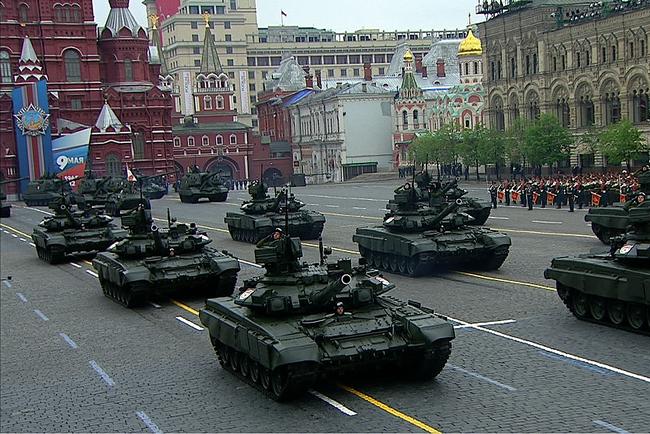 victory-2012-tanks