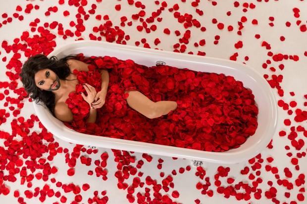 Conchita, rote Rosen