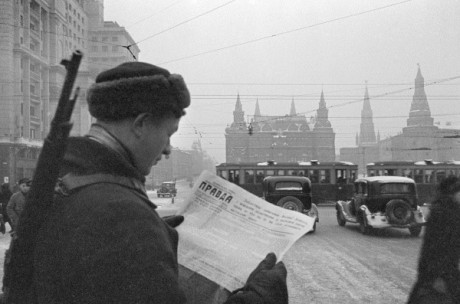 Pravda, Dec. 1941, Red Square